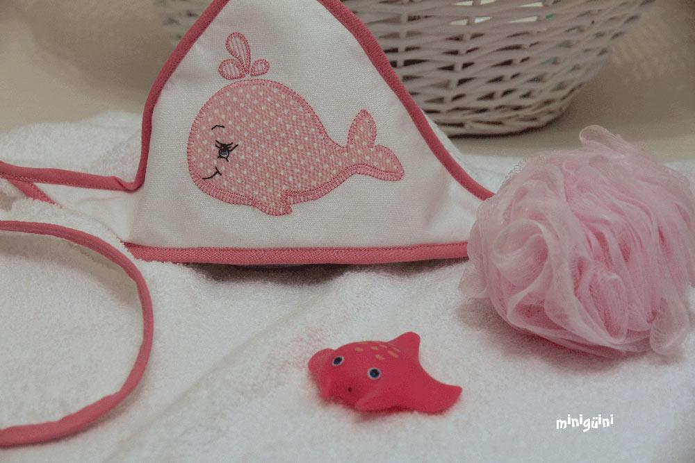 Capa baño ballena rosa