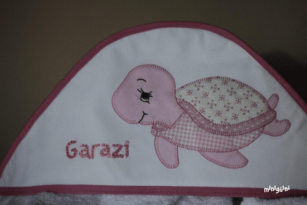 Canastilla capa baño tortuga rosa detalle